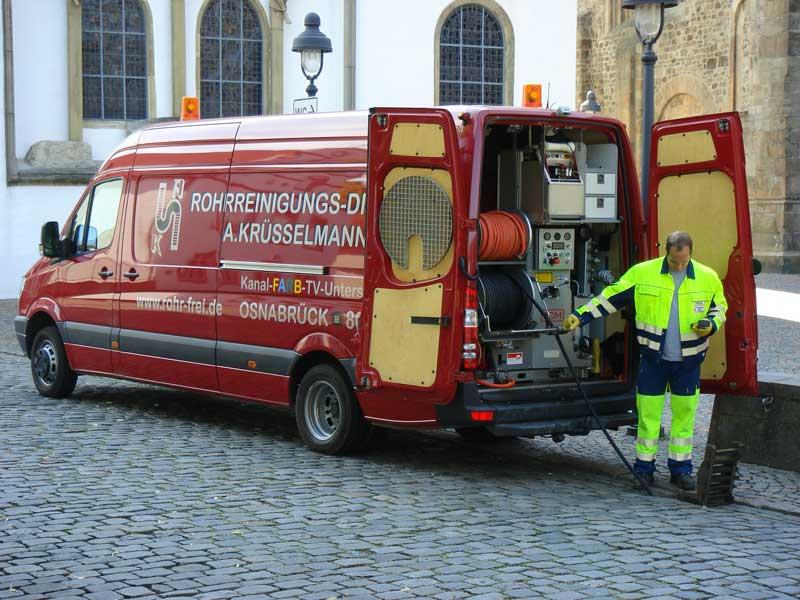 Die Fahrzeugflotte des Rohrreinigungs-Dienst Krüsselmann verfügt auch über Pumpenwagen mit modernster Technik zur Rohrreinigung